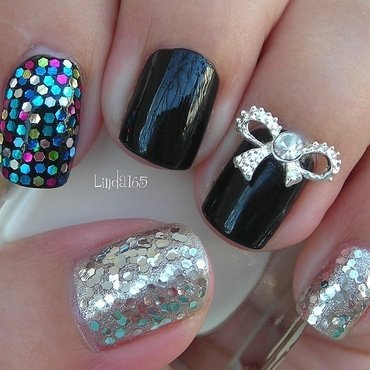 Silver Bow 2.0 nail art by Iliana S.
