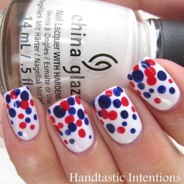 Patriotic Dotticure Gradient nail art by Andrea