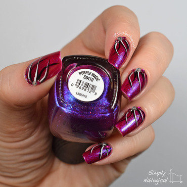 Purple magic looping effect nail art by simplynailogical