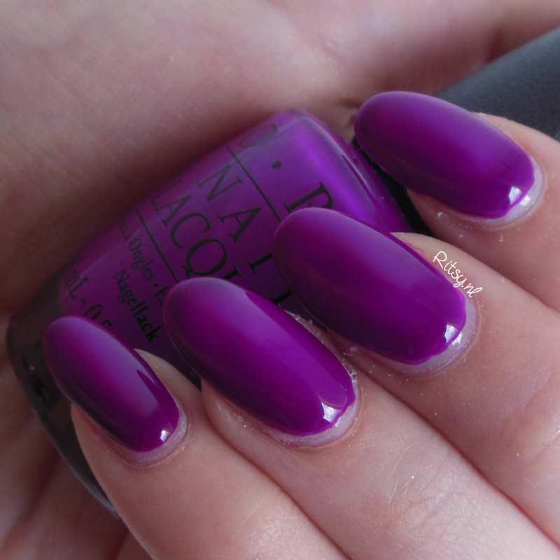 OPI Push and Pur-Pul and OPI Put a coat on Swatch by Ritsy NL