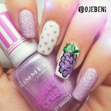 Yummy Grapes nail art by ojebeni