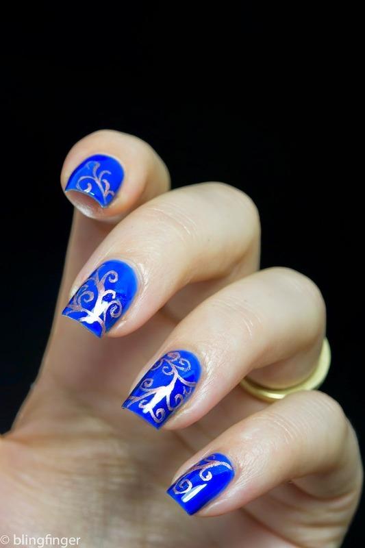Swirls nail art by  Petra  - Blingfinger