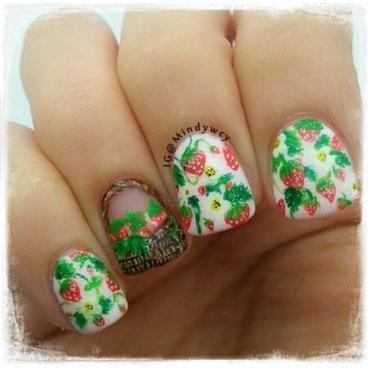 strawberry picnic nail art by mindywong
