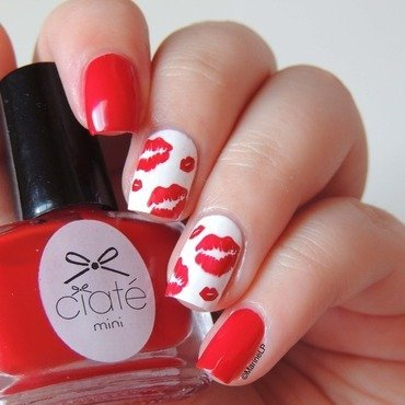 Lips nails international kissing day 20 2  thumb370f