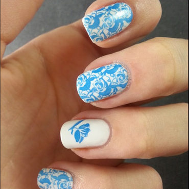 Sky is white, roses are blue... nail art by LyAN
