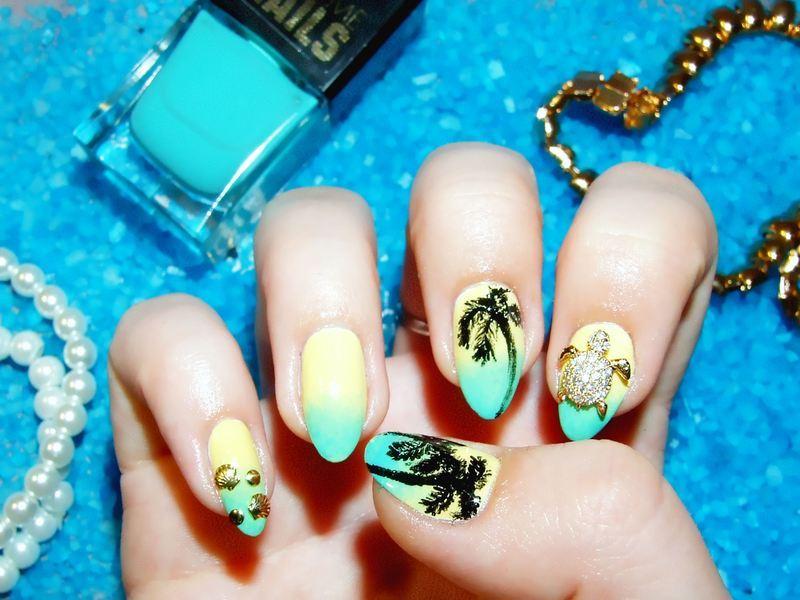 I can feel summer! nail art by Paulina Domoradzka