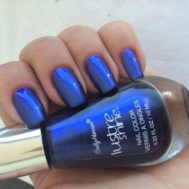 HK Girl Fast Drying & Super Shiny Clear Top Coat and Sally Hansen Luster Shine Azure Swatch by Sanna