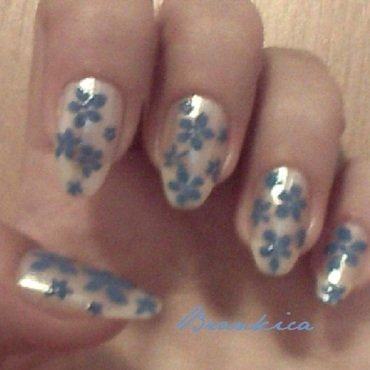 Floral nail art by Brankica