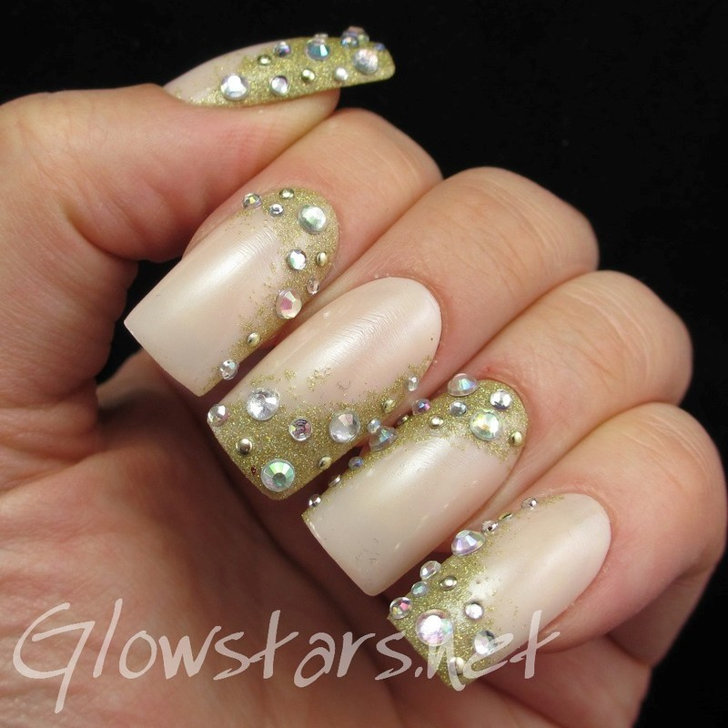 English Summer Rain seems to last for ages nail art by Vic 'Glowstars' Pires