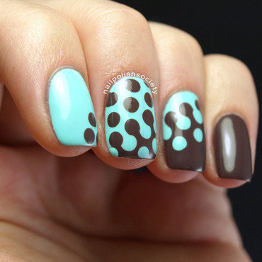 Mint and Chocolate Interlocking Dotticure nail art by Emiline Harris