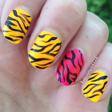Flashy zebra nail art by Niki My Oh My Nails