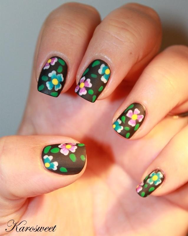 All in flowers nail art by Karosweet