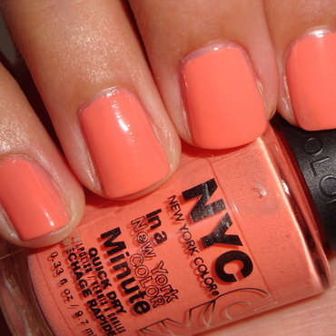 Nyc In A New York Color Minute Quick Dry Hamptons Peach Swatch by Jessica