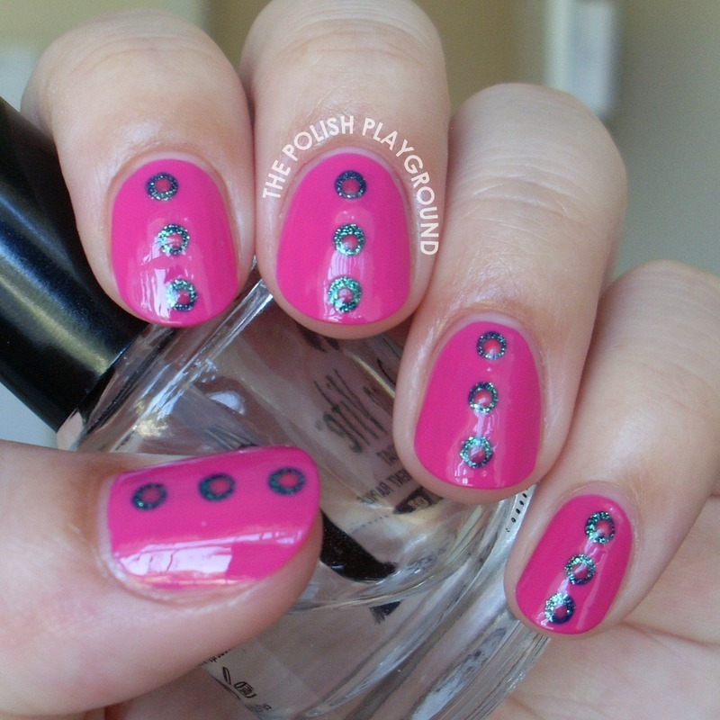 Dotted Center Nails nail art by Lisa N