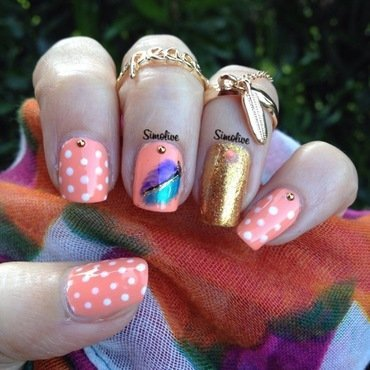 Feathers and polka dots nail art by Simona