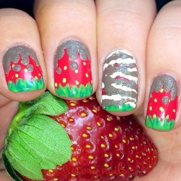 Chocolate Dipped Strawberries  nail art by Nicole