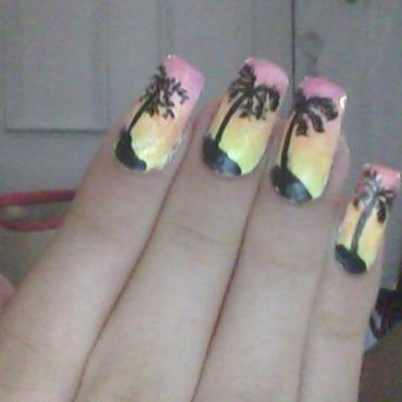 palm trees nail art by Eirini_