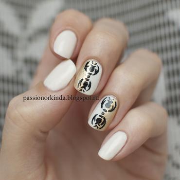 Ornament nail art by Passionorkinda