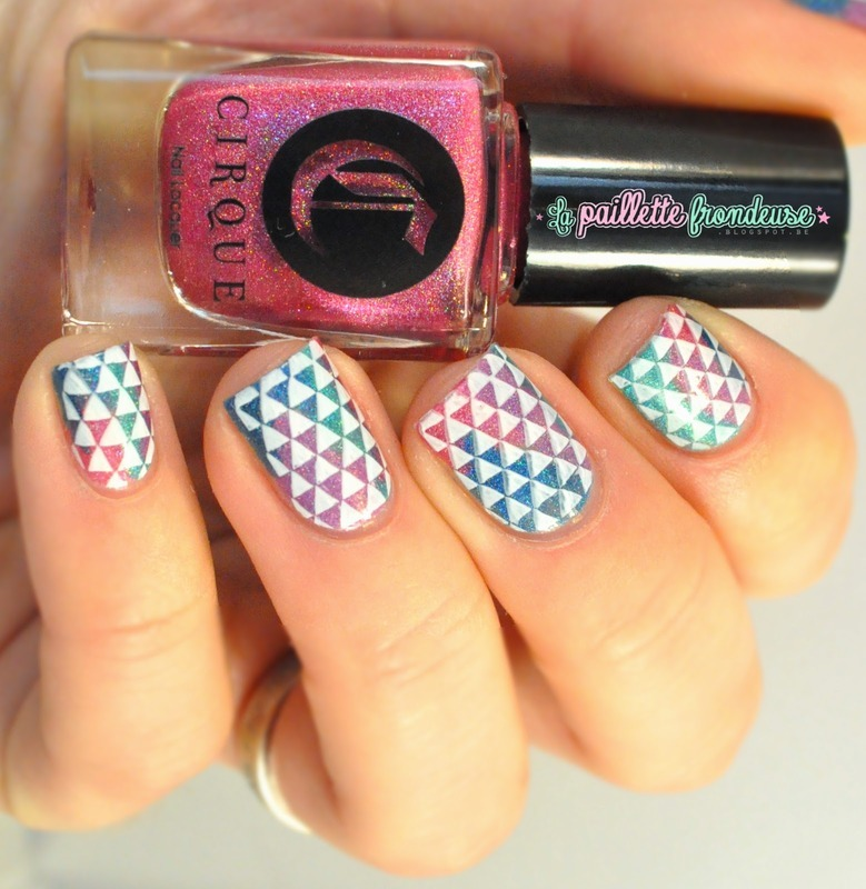 holo madness nail art by nathalie lapaillettefrondeuse