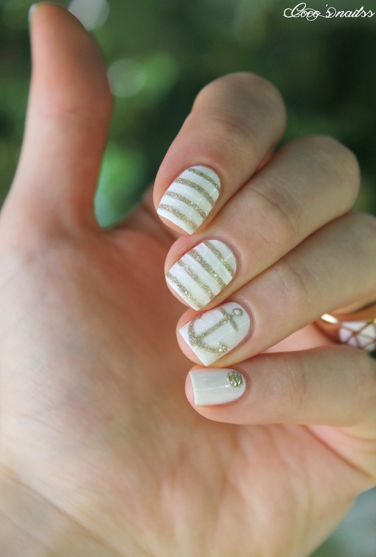 white and gold nautical nails nail art by Cocosnailss