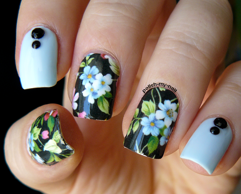 Forget-me-not nail art by Ewlyn