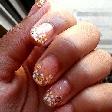 gold raindrops nail art by Ahhhhlysia