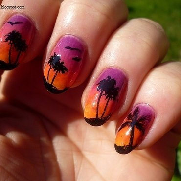 Palm trees nail art by T. Andi