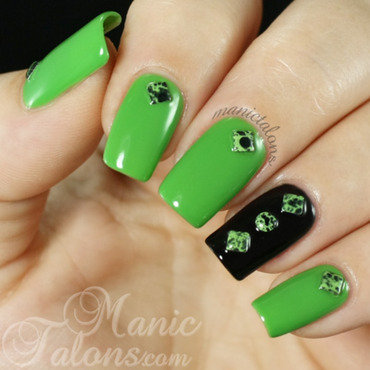 Simply Studded nail art by ManicTalons