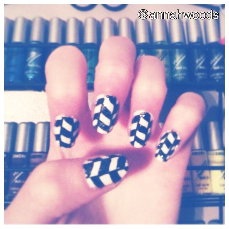 Black and white  nail art by annahwoods