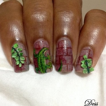 wall-climbing nail art by Dess_sure