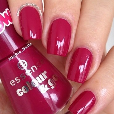 Essence Be berry now Swatch by Giovanna - GioNails