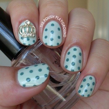 Mint 20green 20polka 20dots 20with 20crown 20stud 20nail 20art thumb370f