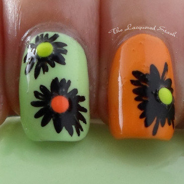 Daisy's or Dust Mites nail art by Emma N.