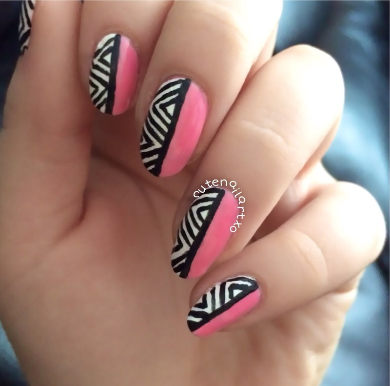 Cute zigzag mani 💅 nail art by Kristen