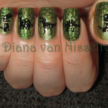 Dinosaurs nail art by Diana van Nisselroy