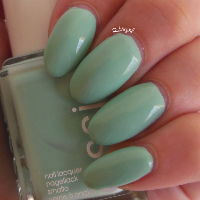 Essie Mint Candy Apple Swatch by Ritsy NL