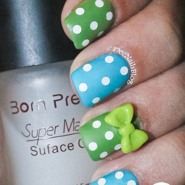 Retro polka dots nail art by Diana Livesay