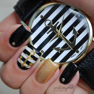 Black white golden nautical nails nail art by xNailsByMiri