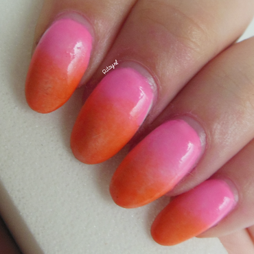 Neon Gradient nail art by Ritsy NL