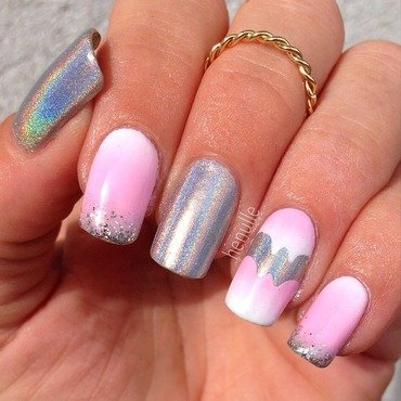 Strawberry ice cream nails with holo Sprinkles on top nail art by Henulle