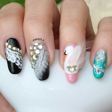 Graceful Swan nail art by Nora (naq57)
