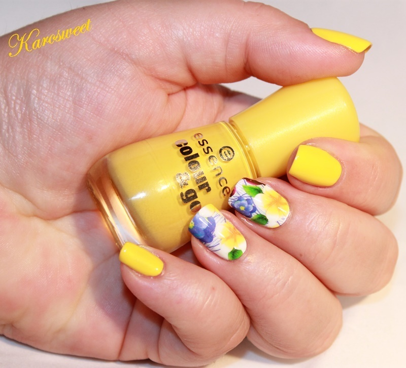 I wanna be your sunshine... nail art by Karosweet