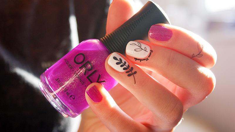 Hot tropics nail art by Panna Marchewka