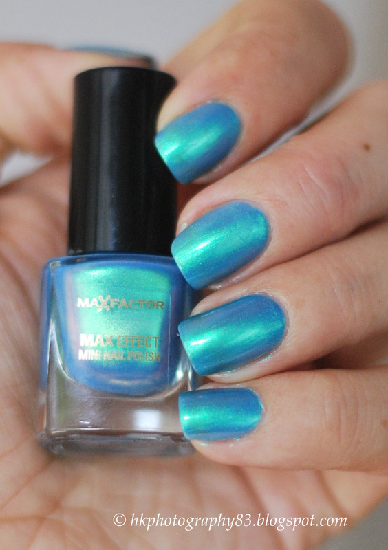 Max Factor Dazzling Blue Swatch by Hana K.
