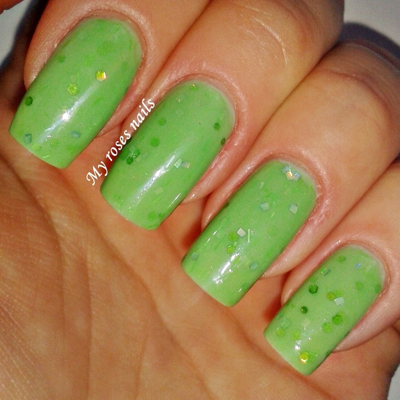 Green UFO :P nail art by Ewa