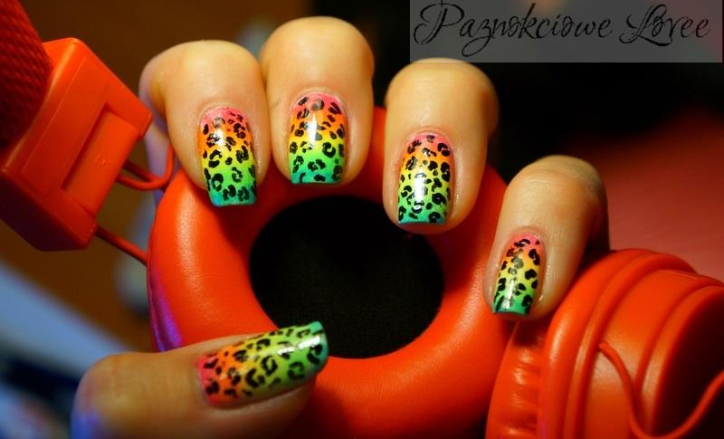 neon gradient + black leopard print nail art by PaznokcioweLovee