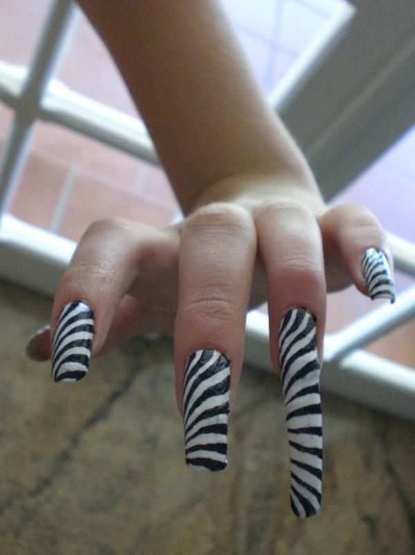 Psychedelic nail art nail art by Giulia Cecchini