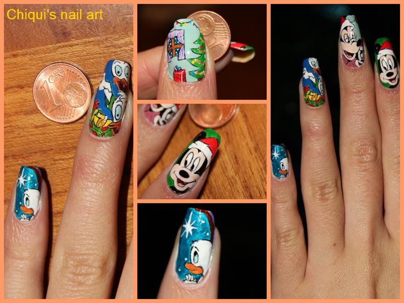 Duffy Duck Christmas nail art nail art by Giulia Cecchini