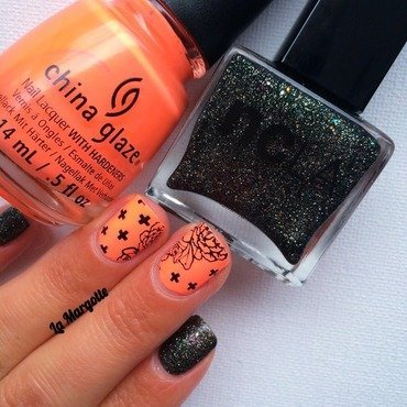 Neon Rock'n'roll nail art by Lamargotte