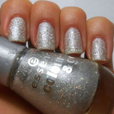Essence Sparkle and Sand - Lucky Star Swatch by Aydi Seker